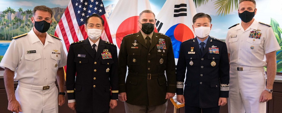 Army Gen. Mark A. Milley, chairman of the Joint Chiefs of Staff, meets with Chairman of the Republic of Korea Joint Chiefs of Staff, Gen. Won In Choul, and Japanese Chief of Staff, Joint Staff Gen. Koji Yamazaki for a trilateral meeting at Camp H. M. Smith, Hawaii, April 29, 2021. This is the first in-person meeting between the most senior U.S., ROK, and Japanese military officers since the onset of the global pandemic. The last trilateral discussion was held virtually in November 2020 due to COVID-19 restrictions. (DOD Photo by Navy Petty Officer 1st Class Carlos M. Vazquez II)